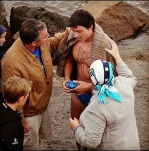 (Photo: Brian and Fran welcoming Kevin ashore in 2007.)